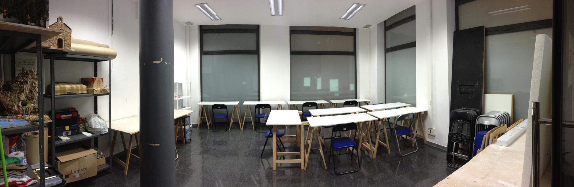Escola Taller Room